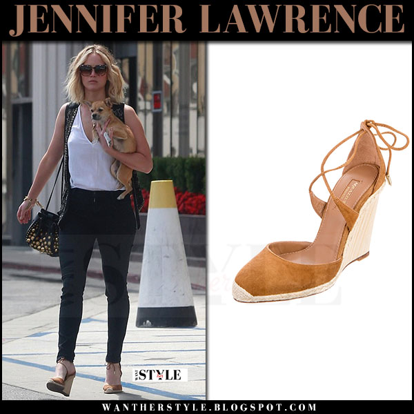 Jennifer Lawrence in brown wedge sandals aquazzura karlie what she wore june 23 2017