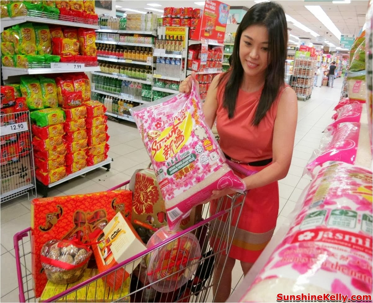 Chinese New Year Preparation & Checklist, jasmine sunwhite rice, bernas, rice, cny rice, chinese new year, cny, checklist, groceries, mandarin oranges, rice bucket, jusco groceries, food, cny delicacies tray, sweets, chocolate, gold coin, jusco groceries,