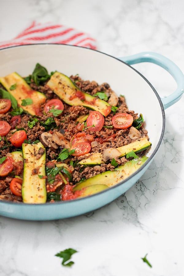 Paleo One Pot Lasagna Skillet #keto #paleo #diet #healthyrecipe #lasagna