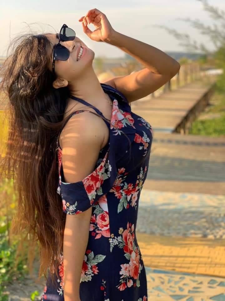 মডেল এবং অভিনেত্রী সাদিয়া জাহান প্রভার কিছু ছবি 26