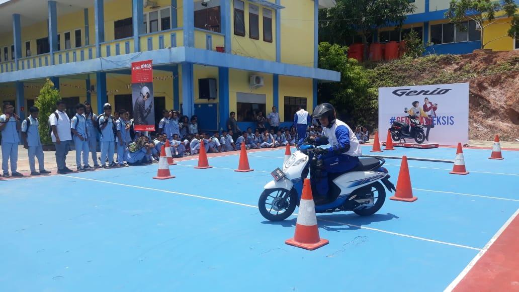Capella Honda Lanjutkan Edukasi Safety Riding di Sekolah-sekolah Batam