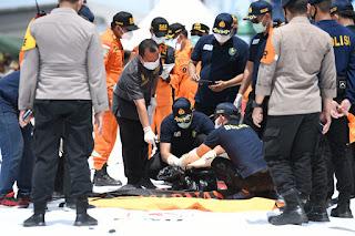 Hari ke 3, Tim Gabungan  BASARNAS , TNI- Polri Temukan  Potongan Bagian tubuh Lagi