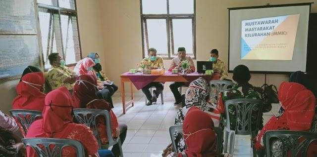 Babinsa Serka Bambang Hadiri Kegiatan MMK Kelurahan NGO