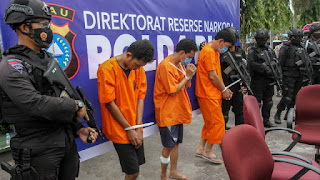 Bawa Sabu 16 Kg, Oknum Polisi Berpangkat Kompol Ditembak, Polri Minta Hakim Hukum Mati
