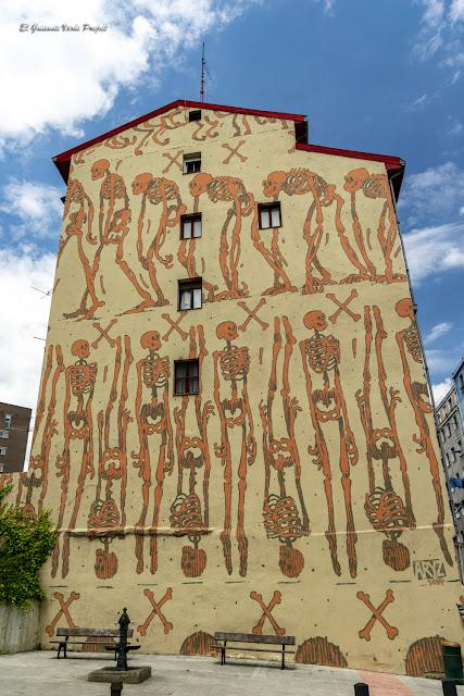 Mural El Fin Justificado, por Aryz - Bilbao por El Guisante Verde Project
