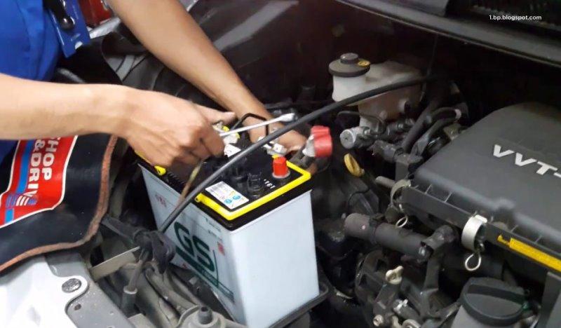 Tips Cara Menjaga Baterai Kendaraan Tak Cepat Soak dan Tekor
