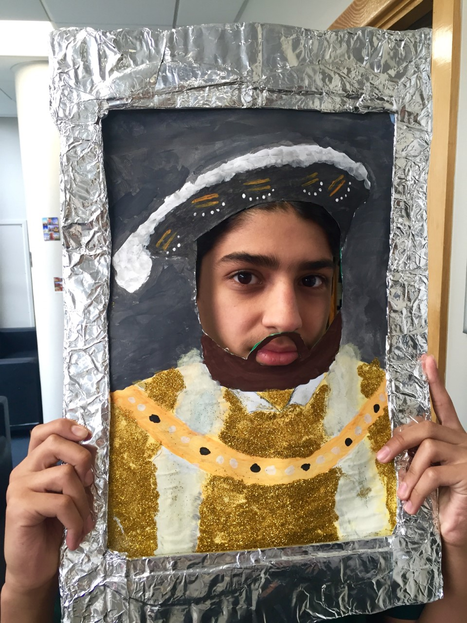 discovery summer queen s gate presentation day and finally our teens had created some amazing portraits during the week and played the roles of kings and queens excellently