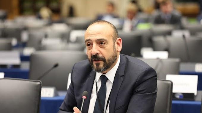 """Un Eurodiputado cuestiona a la Comisión Europea sobre el uso de la inmigración ilegal por parte de Marruecos como """"arma política"""" para chantajear a España."""