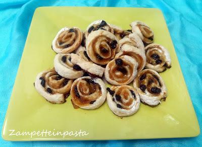 Girelle di pasta sfoglia con marmellata - Ricetta facile e veloce