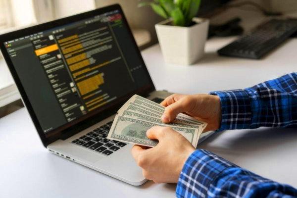Как и сколько можно заработать в интернете новичку в 2021 году