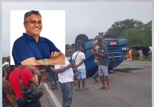 Um grave acidente de trânsito foi registrado no inicio da tarde desta segunda-feira, 12, na rodovia estadual BA 052, que interliga as cidades de Feira de Santana e Ipirá, além de outras cidades as margens da Estrada do Feijão como também é conhecida a rodovia.