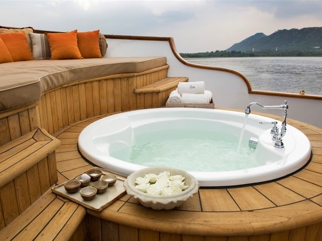 Jiva Spa Boat, Taj Lake Palace, Udaipur