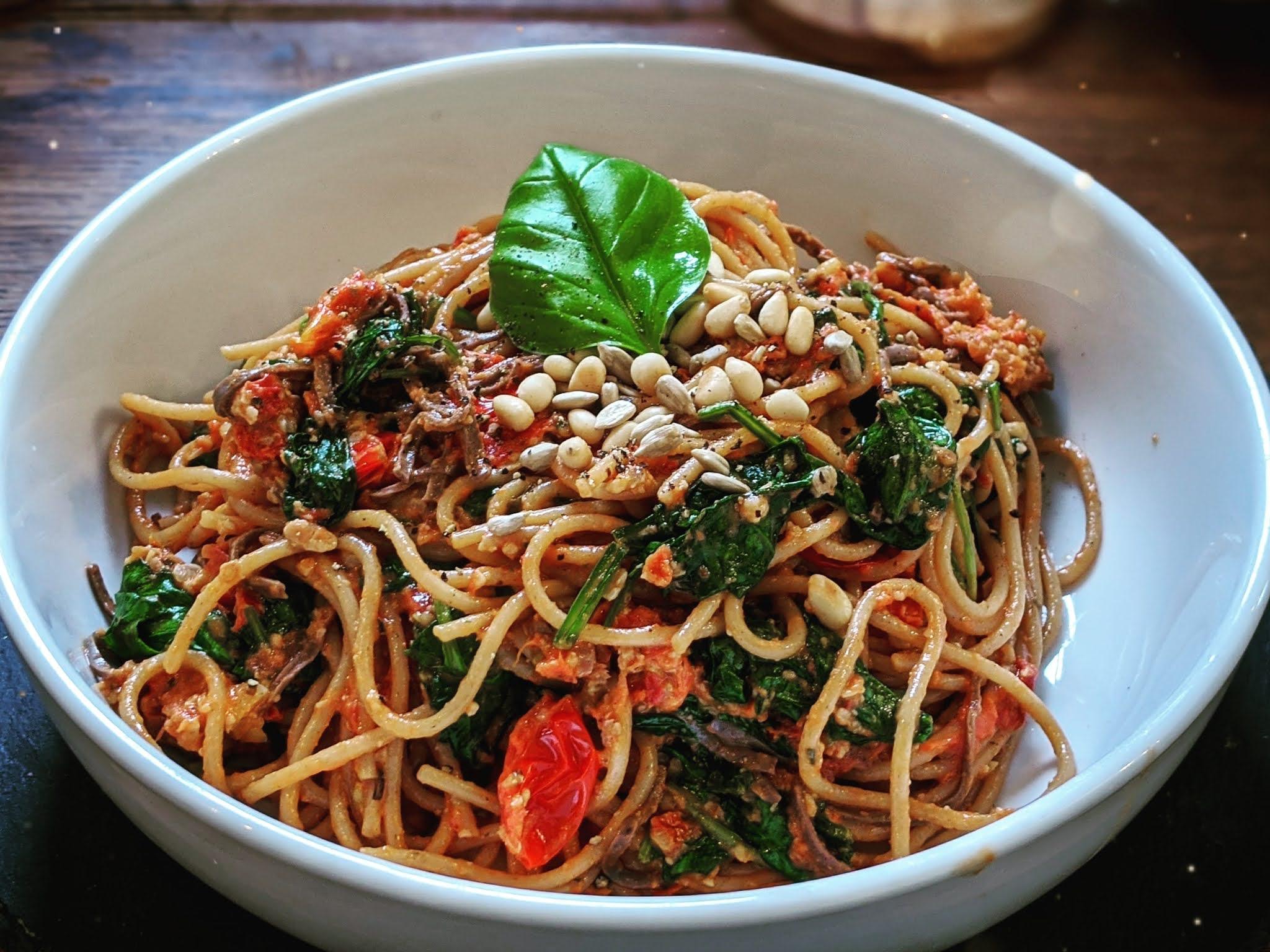 Vegan sun-dried tomato spaghetti littlepackofvegans