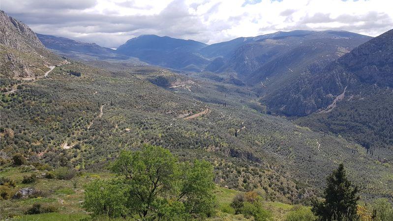 Blick ins Tal bei Delfi/Delphi
