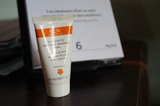 REN Glycolactic Radiance Renewal Mask Sample