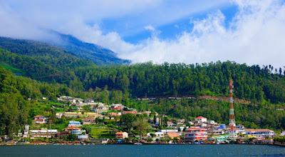 Panorama Pegunungan Telaga Sarangan