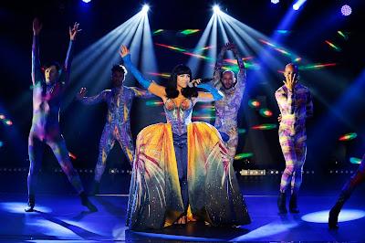 Patricia se apresenta como Katy Perry no Máquina da Fama - (Foto: Rafael Cusato/SBT)