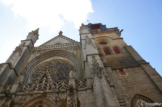 Facciata della Chiesa di Saint Leonard Fuougeres