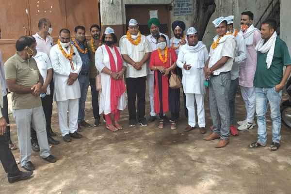 dharambir-bhadana-says-aap-party-fight-mcf-mayor-election-2020