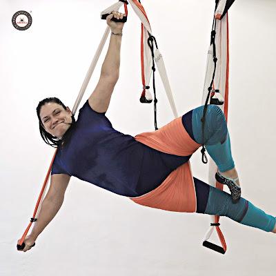 acro acrobaticO YOGA