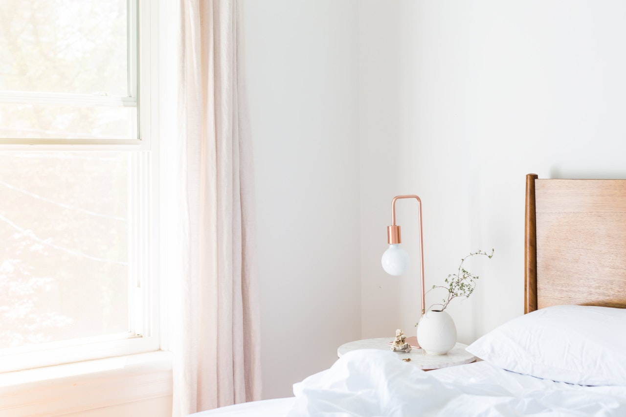 Camera Da Letto Stile Minimalista : Idee e consigli per arredare la camera da letto in stile minimal