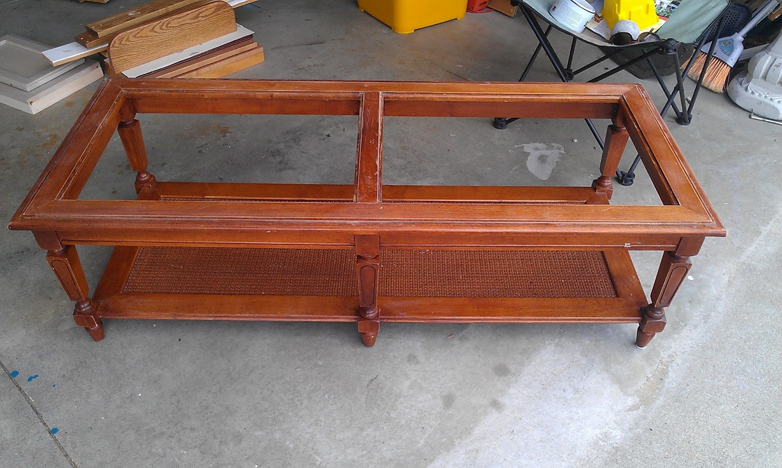 Thrifty Treasures: Coffee table makeover
