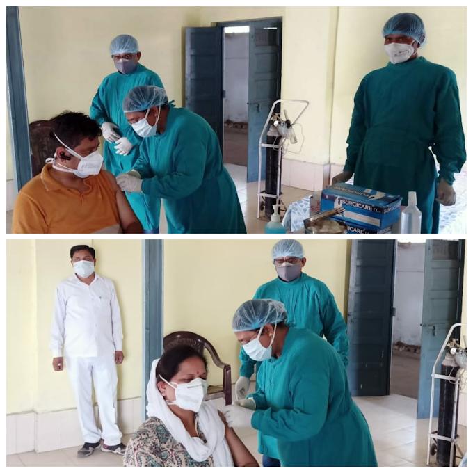पूर्वोत्तर रेलवे : शिविर में रेलकर्मियों ने लगवाया कोरोना टीका