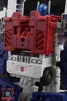 Transformers Kingdom Ultra Magnus 10