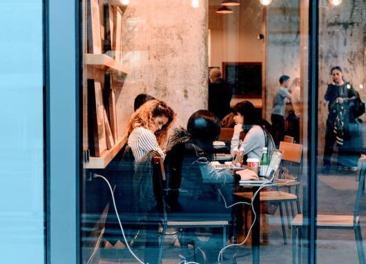 Labora gestiona las ofertas de empleo y las prácticas no laborales de Convent Carmen y Sucede Restaurante