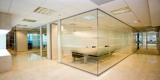 Partisi ruangan glass to glass