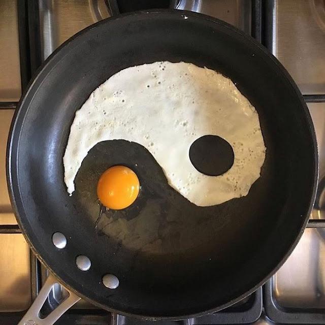 telur berbentuk yin yang