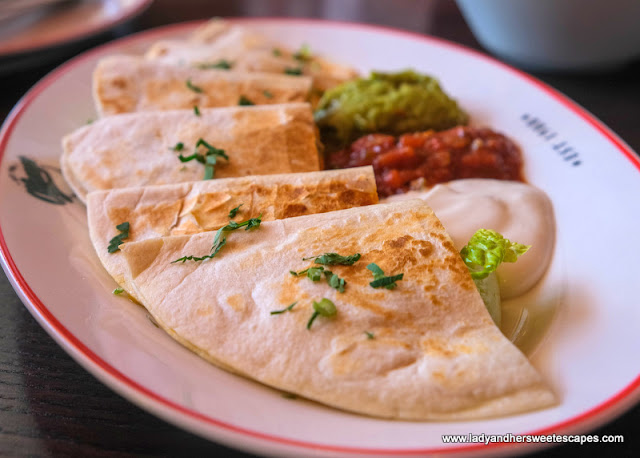 quesadillas in O'Learys Dubai