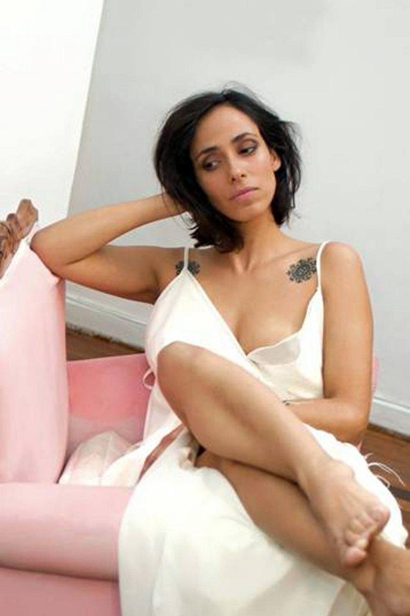 Macarena Berthelon, la protagonista del video Corazones rojos