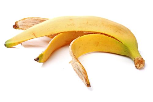 Scapă de negi cu coji de banane. Iată cum trebuie folosite. Efectele se văd imediat