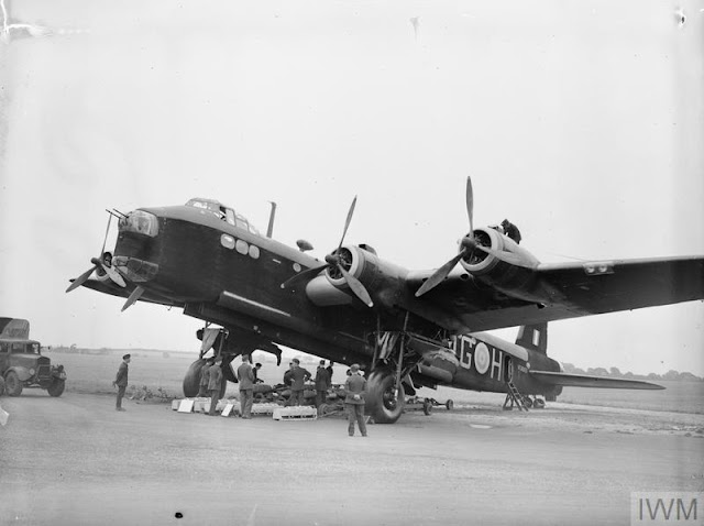 Stirling bomber, 29 July 1941 worldwartwo.filminspector.com
