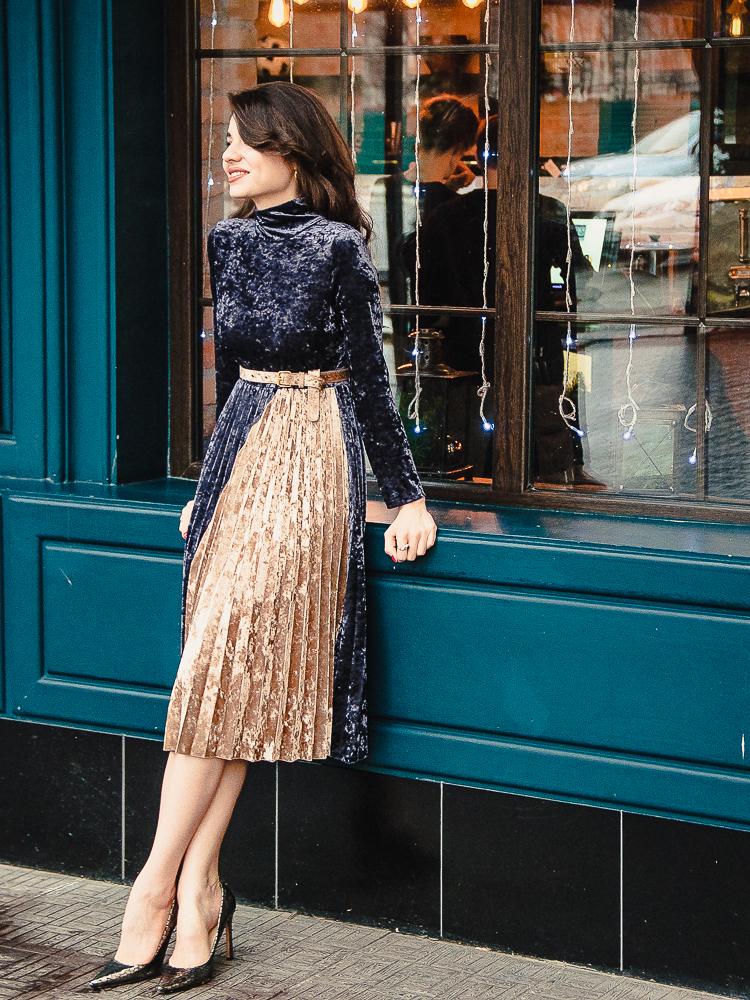 fashion blogger diyorasnotes vipme pleated velvet dress new year heels 2 2 - HAPPY NEW 2017
