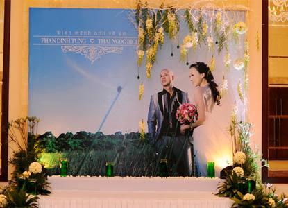 in backdrop cưới giá rẻ