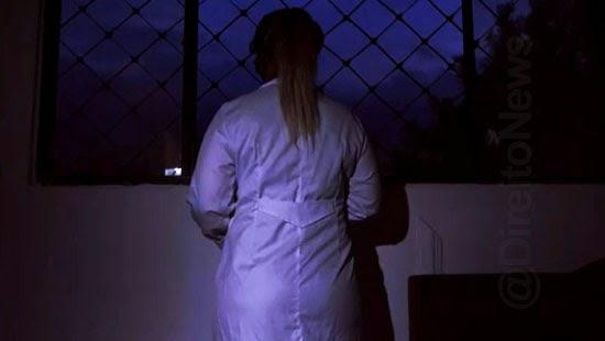 enfermeira proibida justica morar filho pandemia