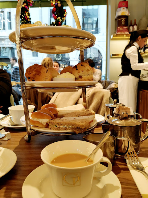 MY UNDERWHELMING AFTERNOON TEA EXPERIENCE AT THE GRAND LONDON IN PICCADILLY