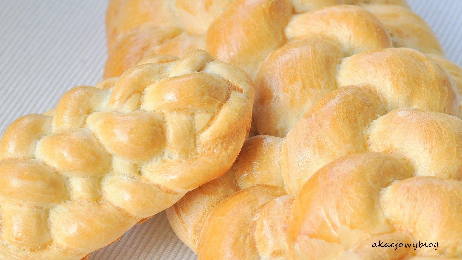 Chleb pszenny  z ośmioczęściowego warkocza