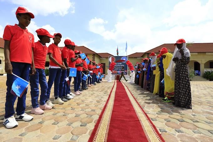 بالصور: رئيس الوزراء الصومالي يشيد بمشاريع قطر الخيرية