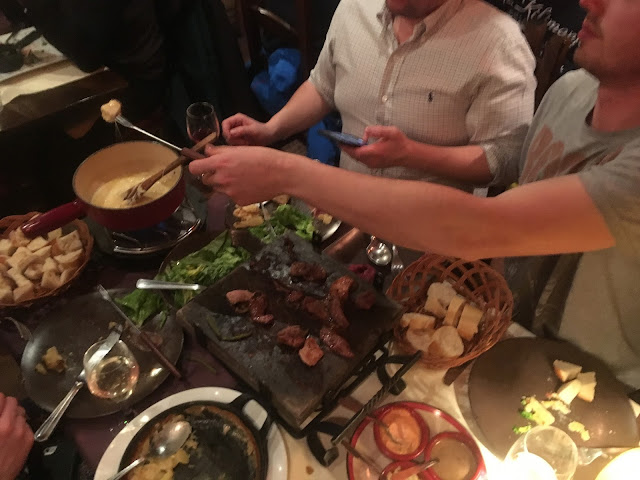 Fondue with meat and bread at L'Arlequin restaurant - Plagne Aime 2000