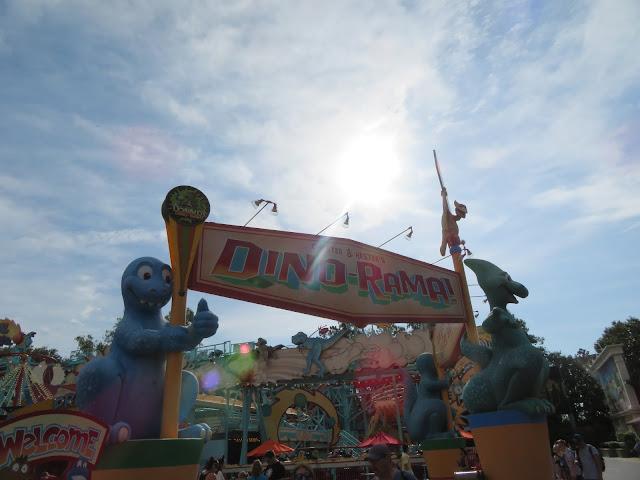 Chester and Hester DinoRama Dinoland USA Disney's Animal Kingdom