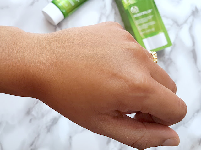 Swatch of The Body Shop Wonderblur Face Primer