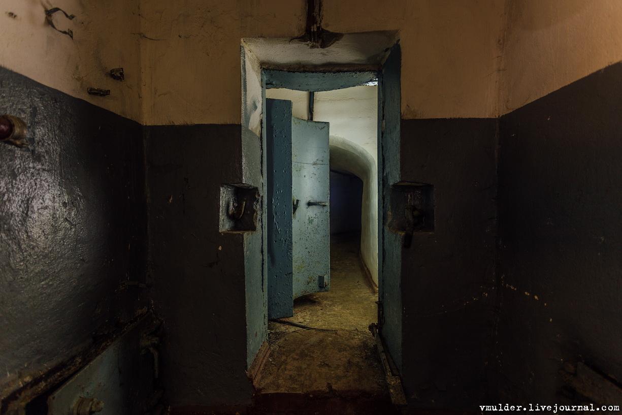 Потраченный бункер связи здесь, связи, собственно, Старые, линейка, Забавная, Очень, любопытный, Печка, артефакт, пункт, командный, сырость, гниль, когдато, Дронский, запасной, располагался, чегочего, ожидал