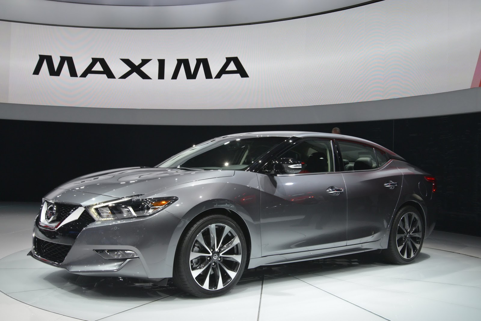 2015 Nissan Maxima For Sale >> Nissan's Stunning All-New 2016 Maxima Revealed in New York ...