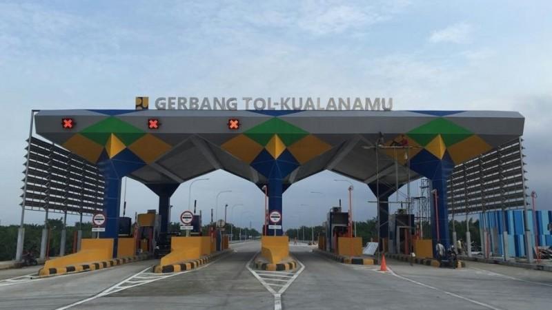 Penampakan gerbang Tol Kualanamu