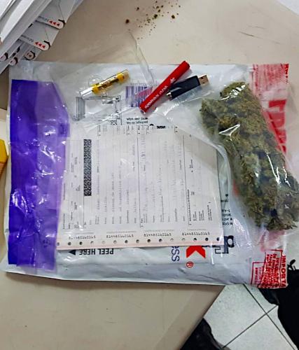 Encuentran-más-droga-en-agencia-de-paquetería