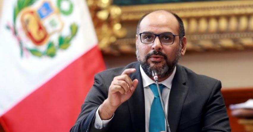 Materiales educativos reflejarán la dimensión del terrorismo en el país, afirma el ministro de Educación, Daniel Alfaro