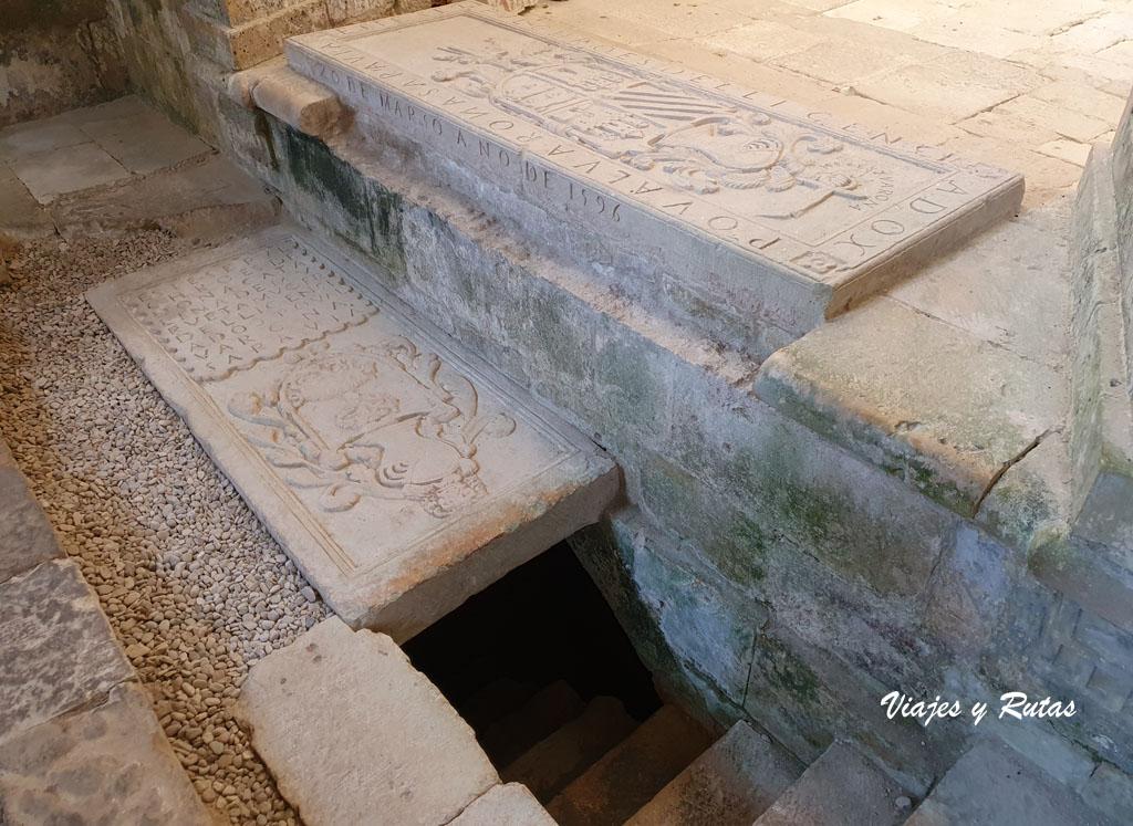 Enterramientos en la iglesia de Santa María de Rioseco